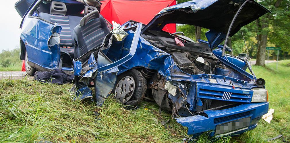 Wypadek w Bobrówku, 4 osoby w szpitalu