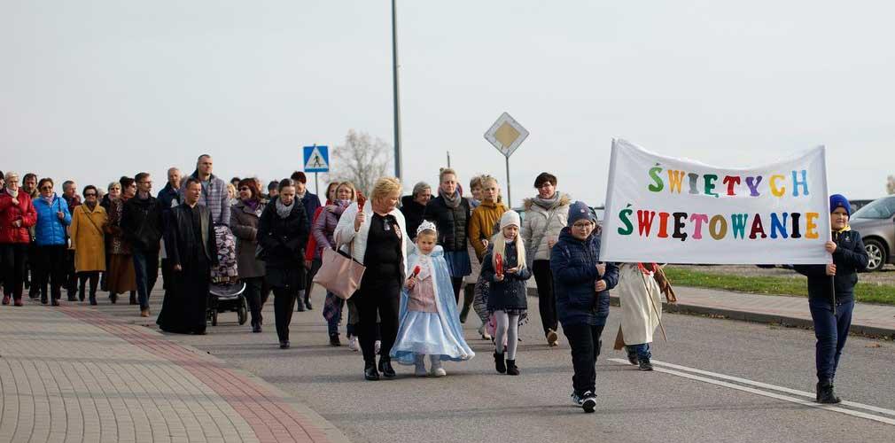 Marsz Świętych przeszedł ulicami Mikołajek