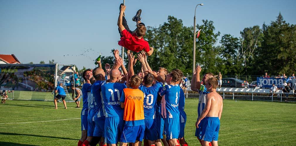 https://mikolajki24.com/sport/klobuk-w-okregowce-trener-narel-w-eliminacjach-do-ligi-mistrzow